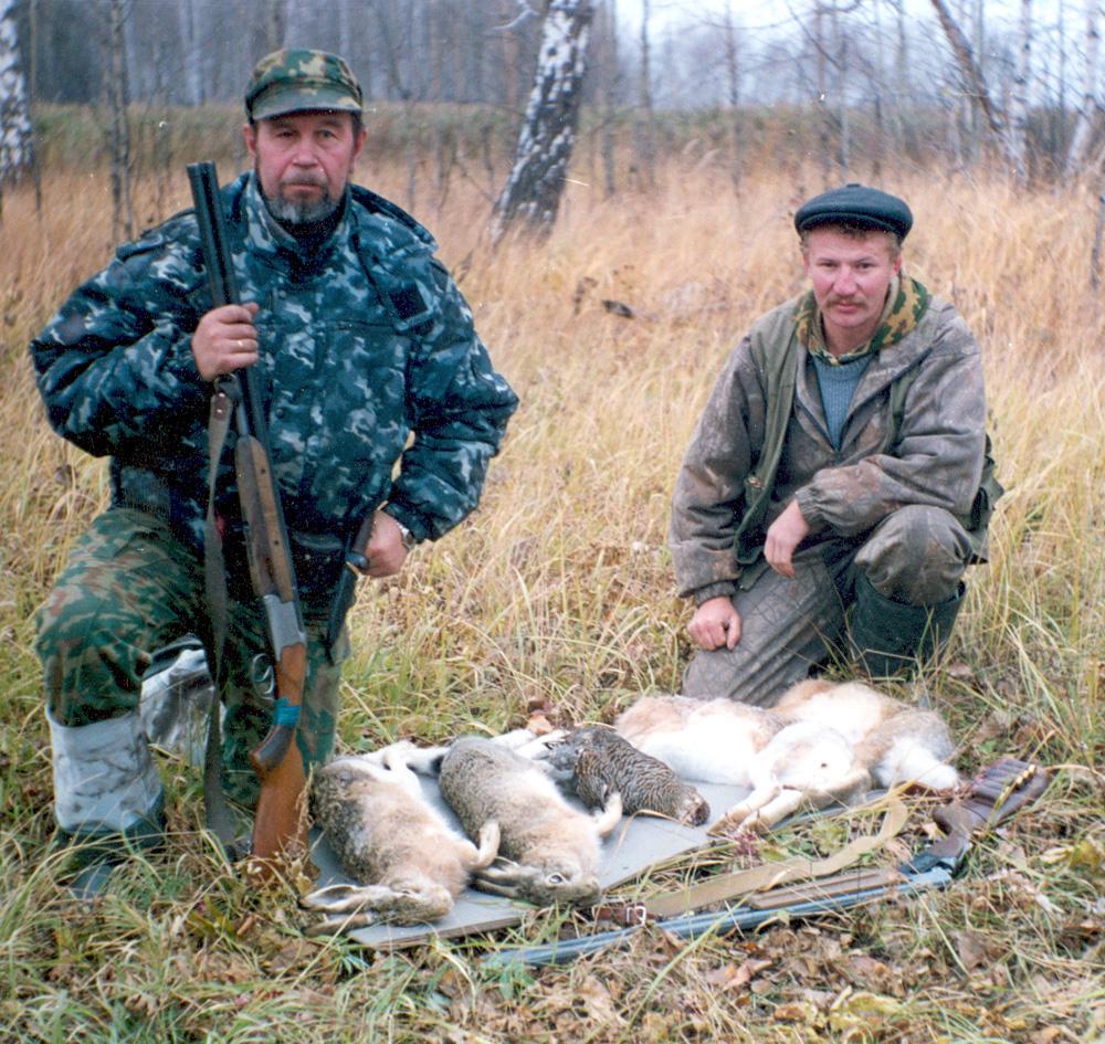 Слева — автор этюдов, справа — Костя, герой рассказа «Костины зайцы»