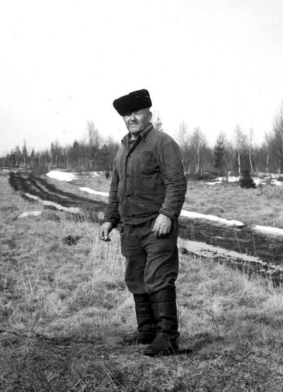Василий Григорьевич. Май, 1986 г.