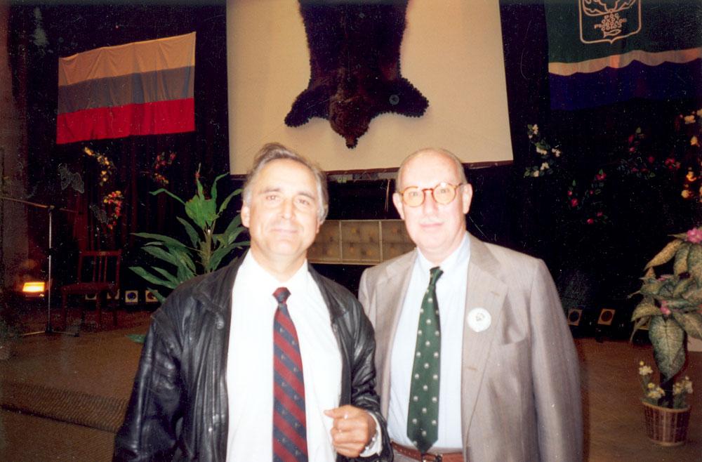 А. А. Клушин и Н. Франко — Президент Всемирной организации охотничьего хозяйства. Москва, 1993 г.