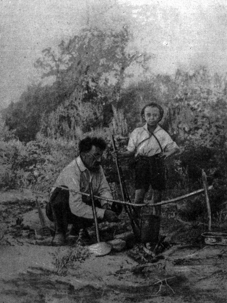 Х. Г. Шапошников с сыном
