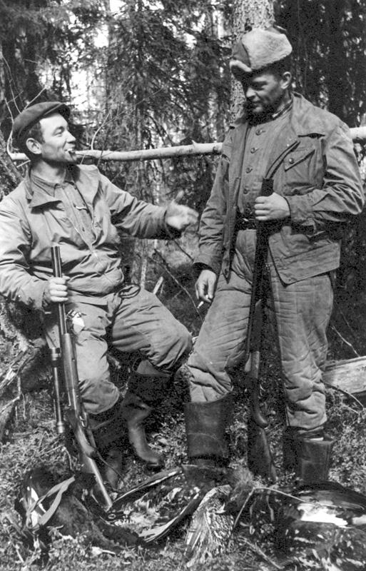 А. В. Ополовников и С. С. Фонтон на охоте. 1950-е гг.