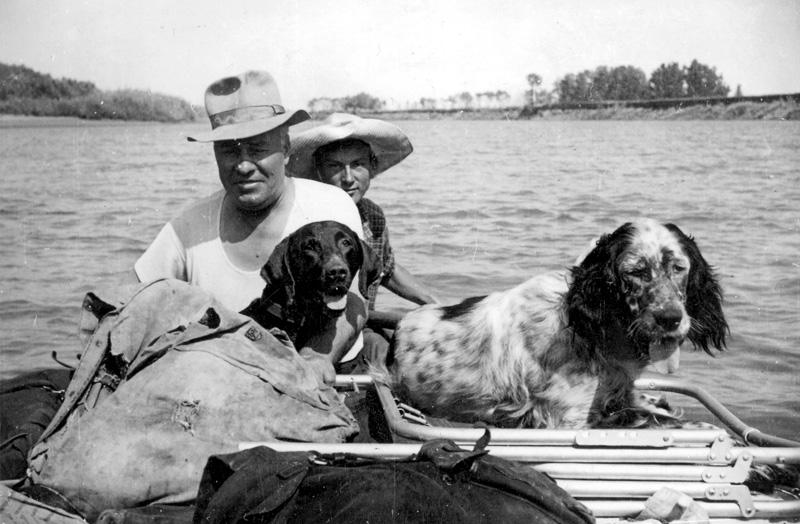Е. Н. Пермитин на р. Урал. Снимок 1957 г.