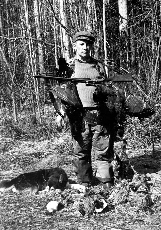 А. В. Ополовников — удачливый охотник (Архангельская обл., 1949 г.)