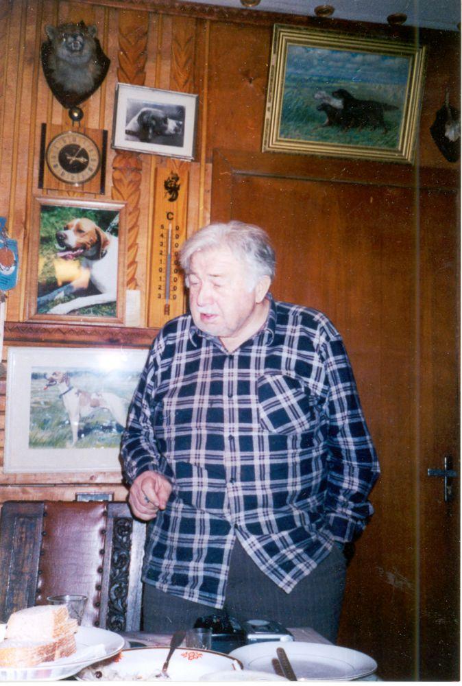 Александр Сергеевич Блистанов (24.III.1923—2.III.2002) в своем доме в Салтыковке под Москвой. 2001 г