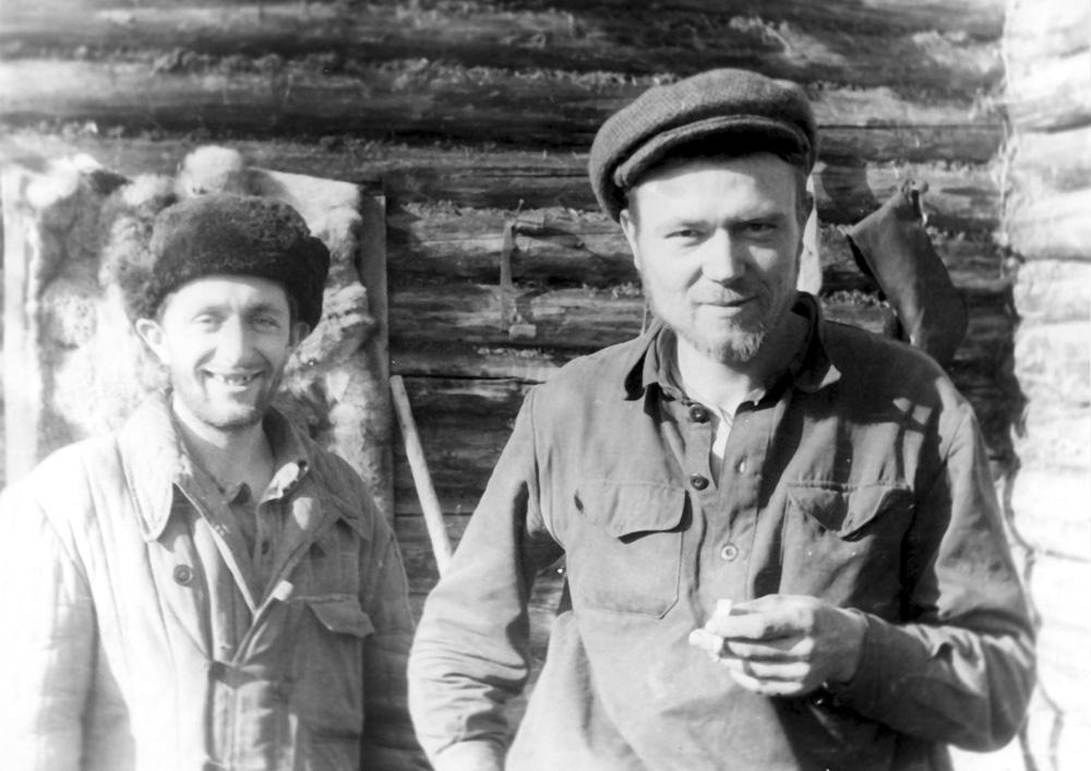 Мы с «Базылем» после блуда. Река Поворотная, 1959 г.