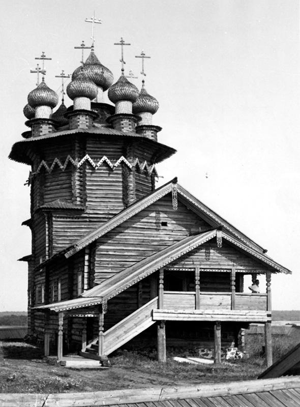 Покровская церковь в своем первозданном облике (после реставрации, 1962 г.)