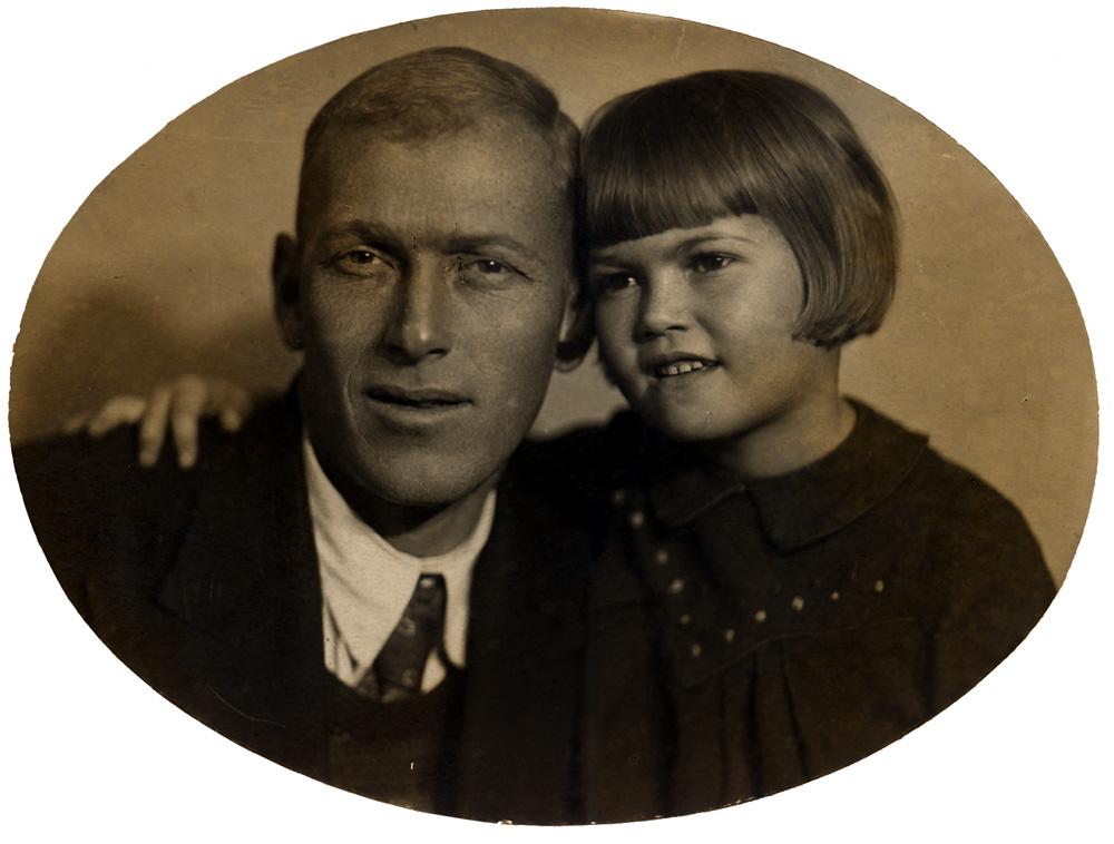 А.А. Ливеровский с дочерью Ольгой. 1939 г.