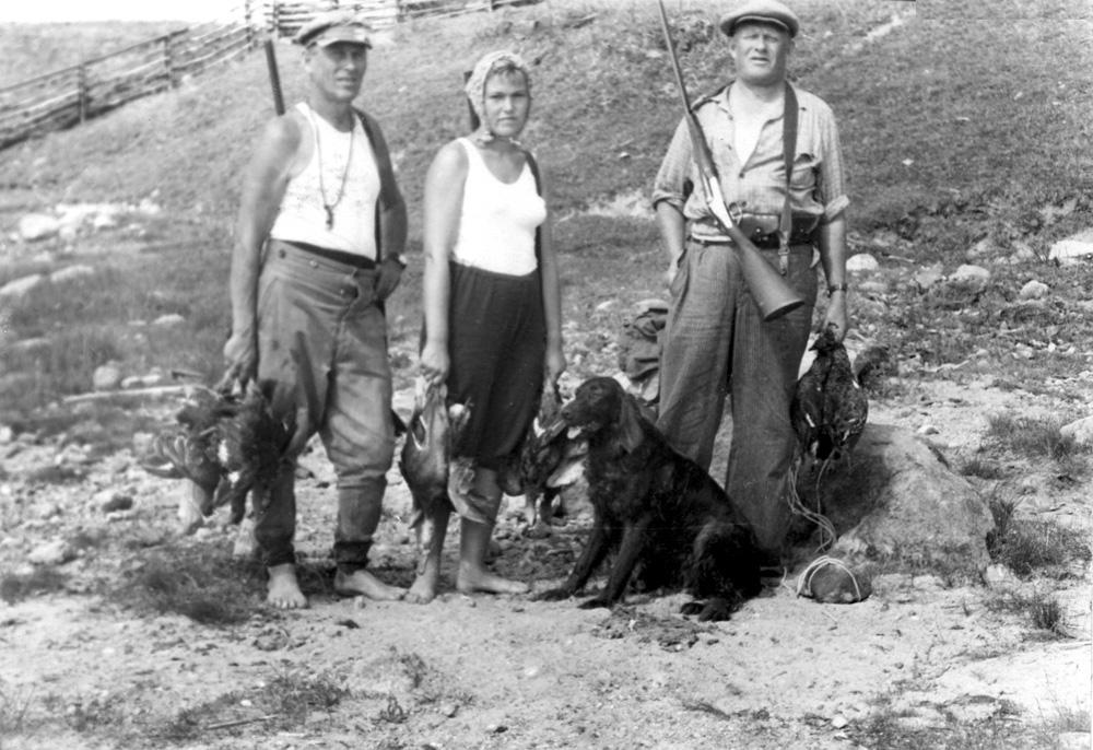 А.А. Ливеровский, О.А. Ливеровская, Ю.А. Ливеровский. Домовичи. 1959 г.