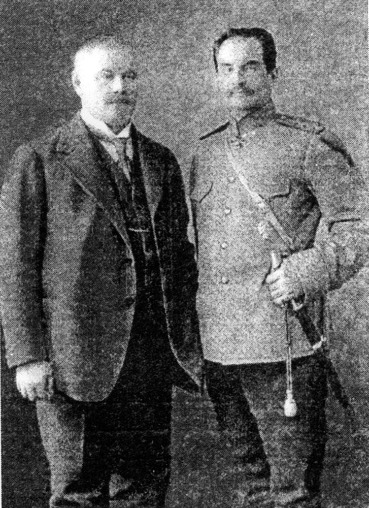 Фридрих Эдуардович Фальц-Фейн (слева) и его неизменный сподвижник Пётр Кузьмич Козлов