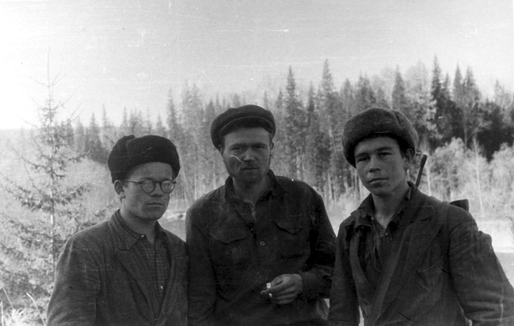 Братья Зыряновы (Виктор — слева, Анатолий — справа) и Валентин Базыльников (в центре). 1959 г.